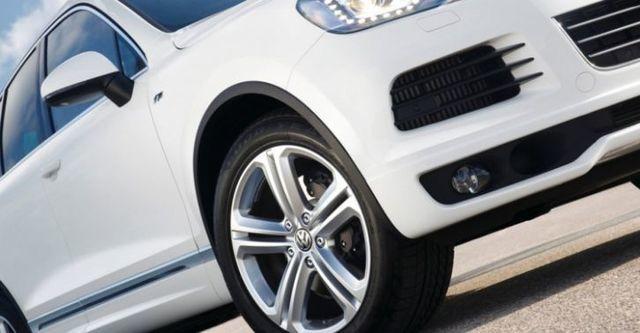 2014 Volkswagen Touareg 3.0 TDI BlueMotion R-Line  第7張相片