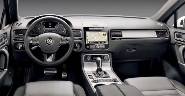 2014 Volkswagen Touareg 3.0 TDI BlueMotion R-Line  第8張相片