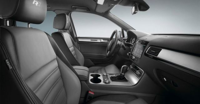2014 Volkswagen Touareg 3.0 TDI BlueMotion R-Line  第9張相片