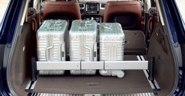 2014 Volkswagen Touareg 3.0 TDI BlueMotion R-Line  第10張相片