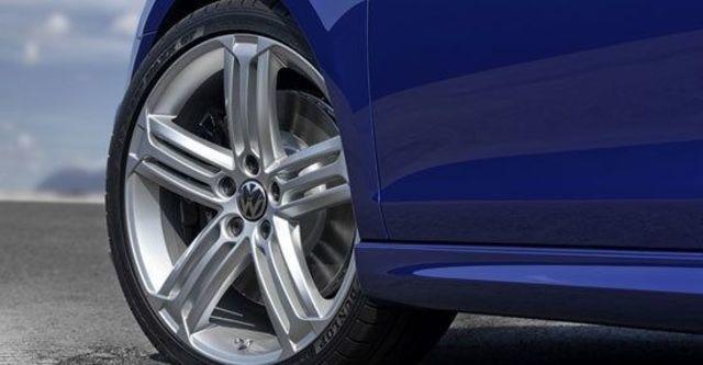 2013 Volkswagen Golf R 5D  第4張相片