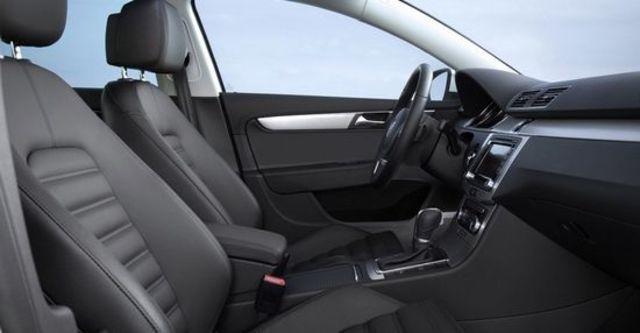 2013 Volkswagen Passat Sedan 2.0 TDI BlueMotion  第4張相片