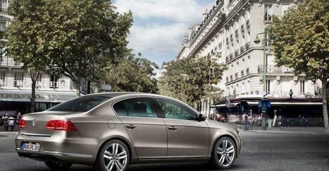 2013 Volkswagen Passat Sedan 2.0 TDI BlueMotion  第6張相片