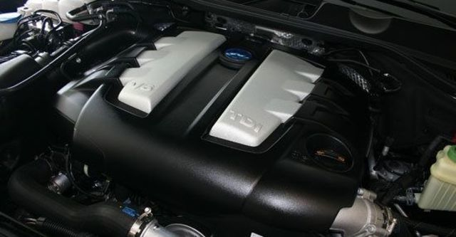 2012 Volkswagen Touareg 3.0 TDI BlueMotion  第7張相片