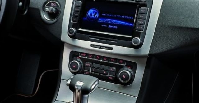 2011 Volkswagen Passat CC V6 3.6  第6張相片