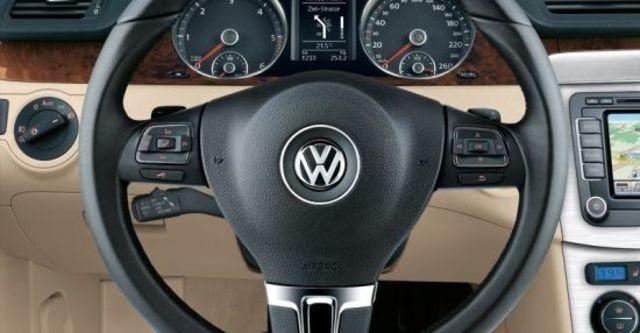 2010 Volkswagen Passat Sedan 1.8 TSI  第6張相片