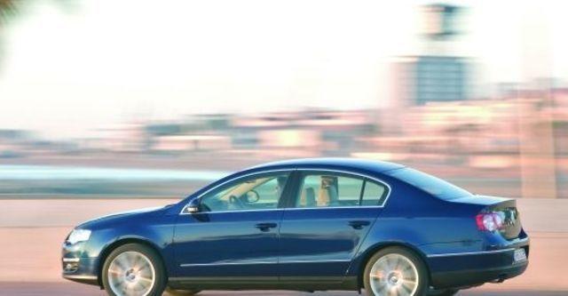 2010 Volkswagen Passat Sedan 2.0 TDI  第4張相片
