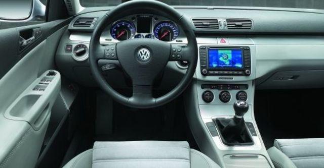 2010 Volkswagen Passat Sedan 2.0 TDI  第5張相片