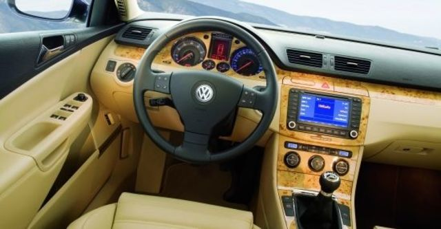 2010 Volkswagen Passat Variant 2.0 TSI  第6張相片