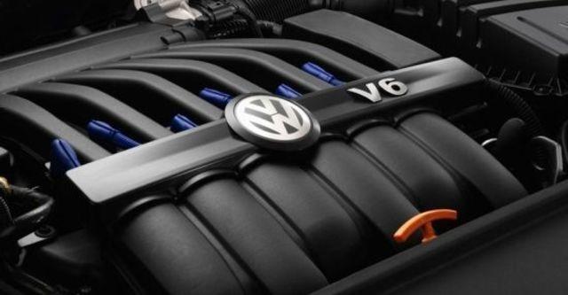 2010 Volkswagen Passat Variant R36  第6張相片