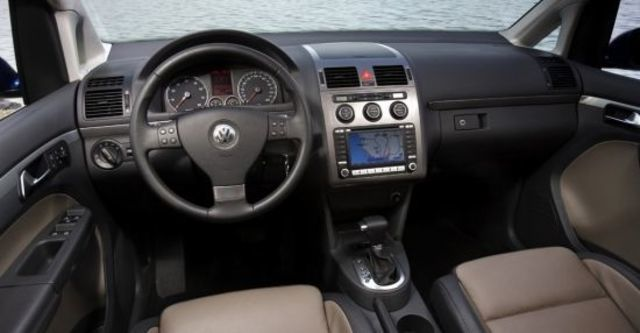 2010 Volkswagen Touran 1.9 TDI  第4張相片