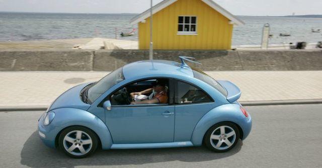 2009 Volkswagen New Bettle 1.6  第3張相片