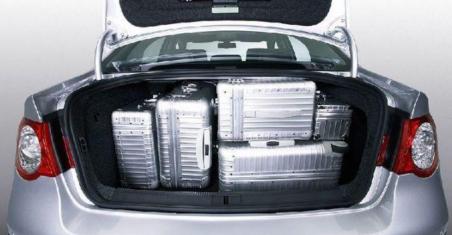 2009 Volkswagen Passat 2.0 TDI  第12張相片