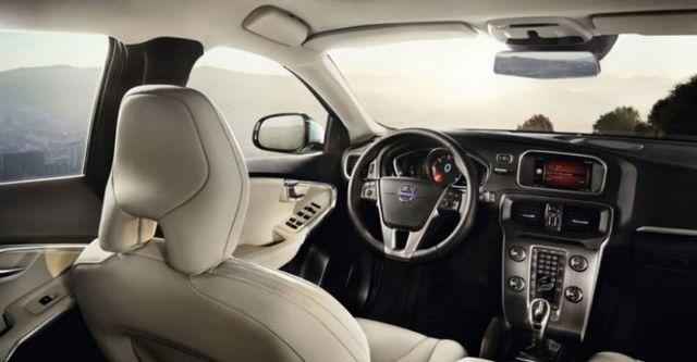 2015 Volvo V40 D4 R-Design  第6張相片