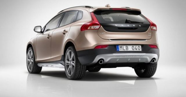 2015 Volvo V40 Cross Country D2豪華版  第4張相片