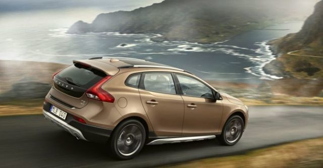 2015 Volvo V40 Cross Country D4豪華版  第2張相片