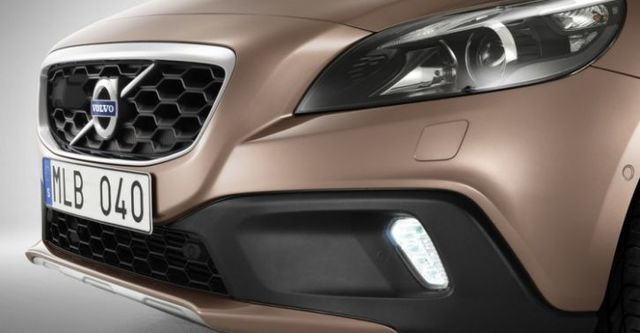 2015 Volvo V40 Cross Country D4豪華版  第6張相片