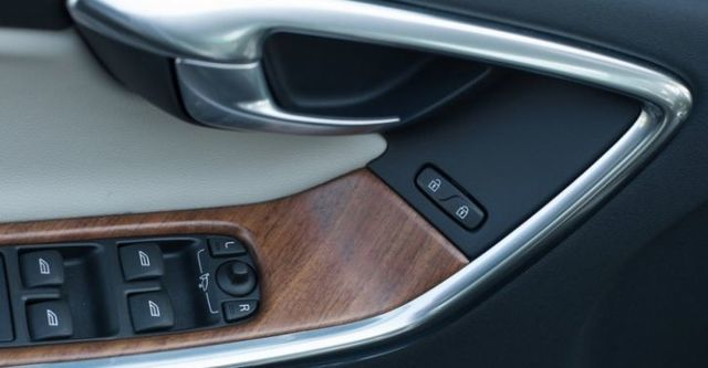 2015 Volvo XC60 D4 旗艦版  第9張相片