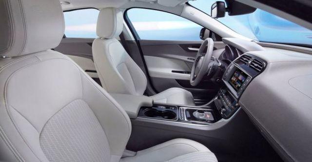 2015 Jaguar XE Prestige 20d  第9張相片