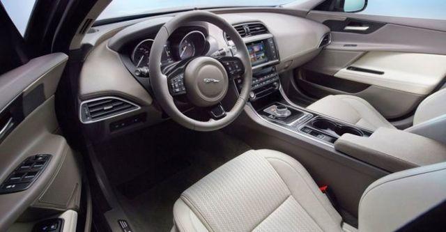 2015 Jaguar XE Prestige 20d  第10張相片