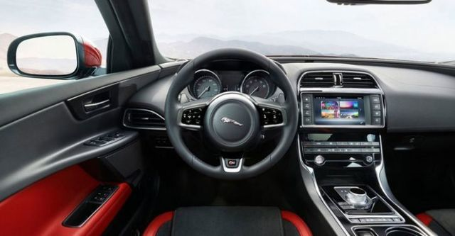 2015 Jaguar XE S  第9張相片