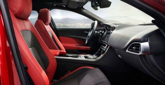 2015 Jaguar XE S  第10張相片