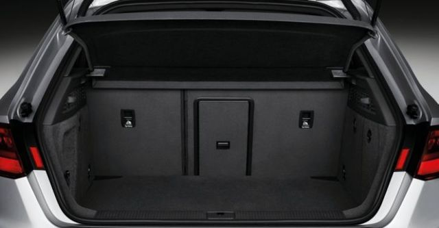 2016 Audi A3 Sportback 30 TFSI  第10張相片