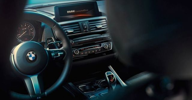 2016 BMW 1-Series M135i  第8張相片
