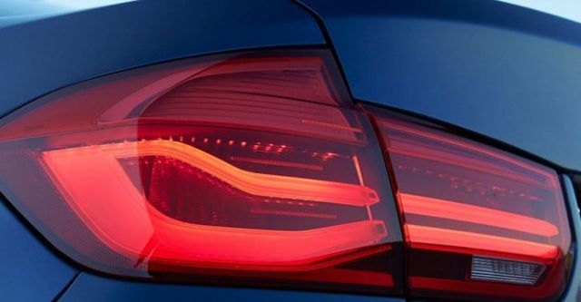 2016 BMW 3-Series Sedan 320i  第4張相片