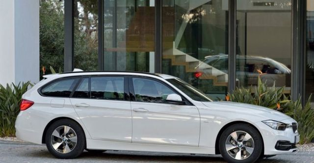 2016 BMW 3-Series Touring 320i  第2張相片
