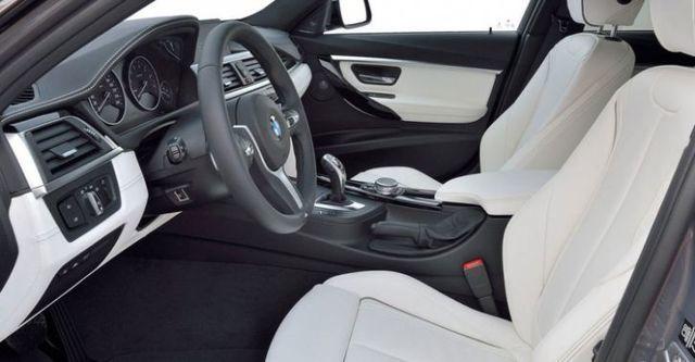 2016 BMW 3-Series Touring 330i M Sport  第9張相片