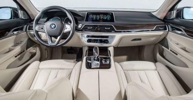 2016 BMW 7-Series 740Li  第6張相片
