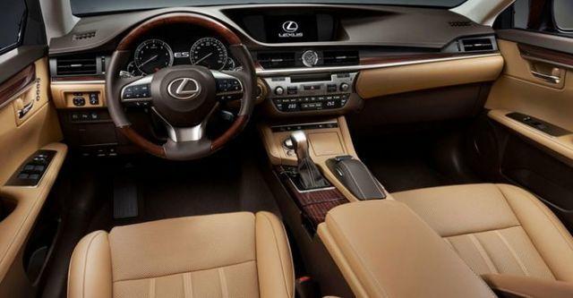 2016 Lexus ES 200旗艦版  第8張相片