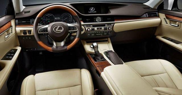 2016 Lexus ES 300h旗艦版  第6張相片