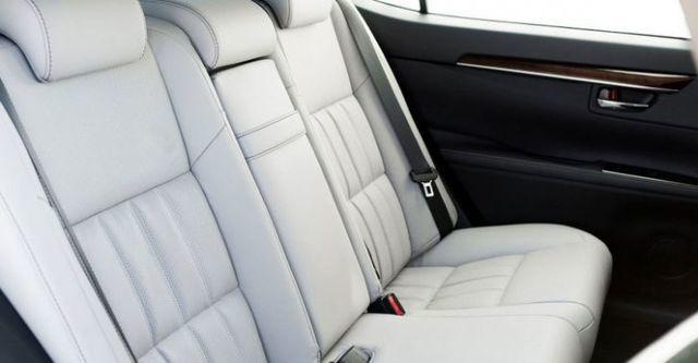 2016 Lexus ES 300h旗艦版  第9張相片