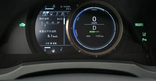 2016 Lexus IS 300h F Sport版  第6張相片