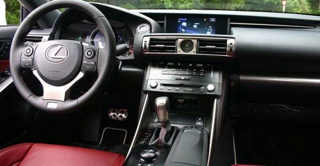 2016 Lexus IS 300h F Sport版  第8張相片