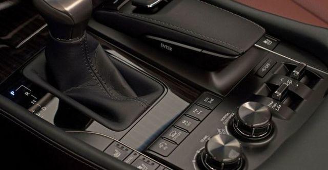 2016 Lexus LX 570旗艦版  第7張相片