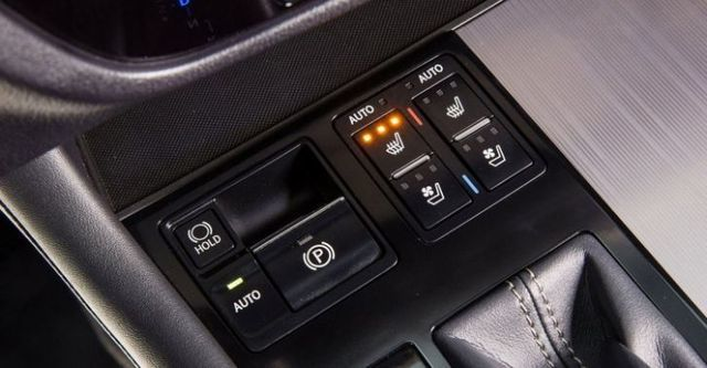 2016 Lexus RX 450h F Sport  第7張相片