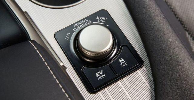 2016 Lexus RX 450h F Sport  第10張相片