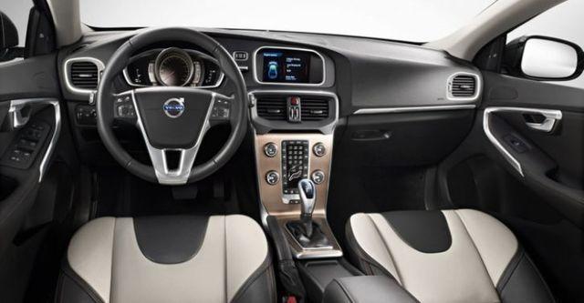 2016 Volvo V40 Cross Country D4豪華版  第9張相片