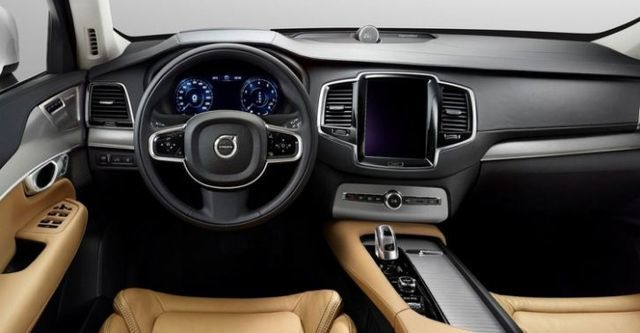 2016 Volvo XC90 D4 Momentum+五人座  第8張相片