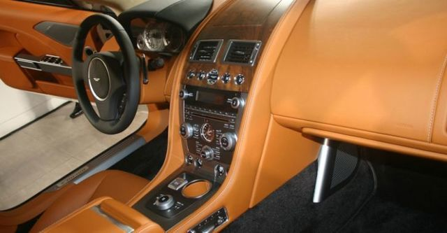 2016 Aston Martin Rapide S 6.0 V12  第9張相片