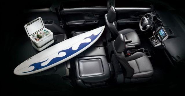 2016 Toyota Wish 2.0尊爵  第9張相片