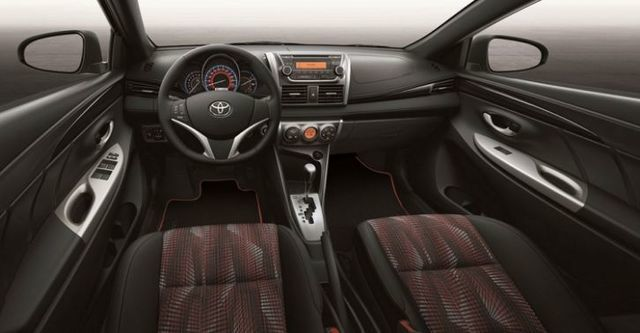 2016 Toyota Yaris 1.5豪華Style+  第7張相片