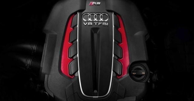 2016 Audi A6 Avant RS6  第6張相片
