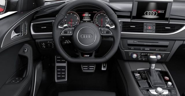 2016 Audi A6 Avant RS6  第7張相片