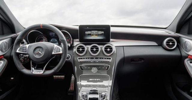 2016 M-Benz C-Class Sedan AMG C63  第6張相片
