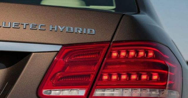 2016 M-Benz E-Class Sedan E300 BlueTEC Hybrid Avantgarde  第4張相片