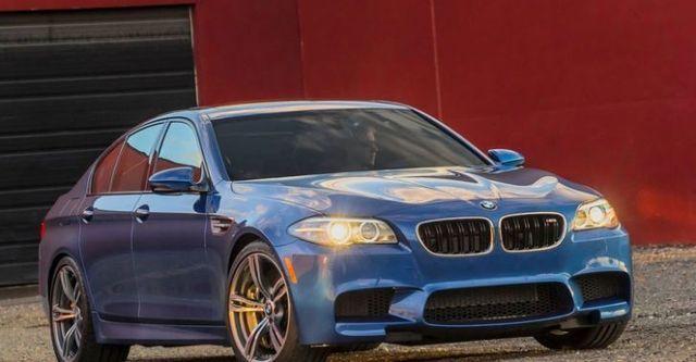 2016 BMW 5-Series Sedan M5